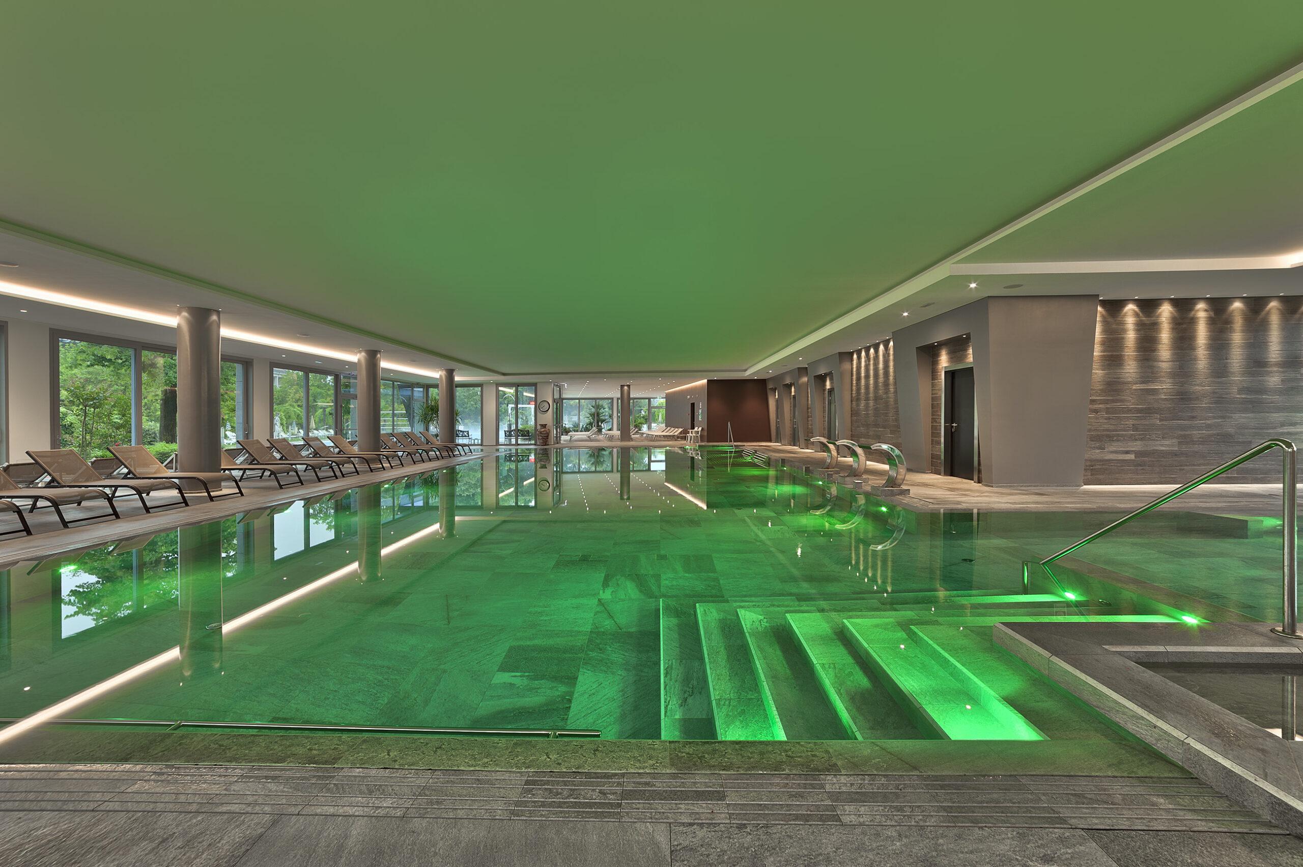 Piscina Coperta 1 verde